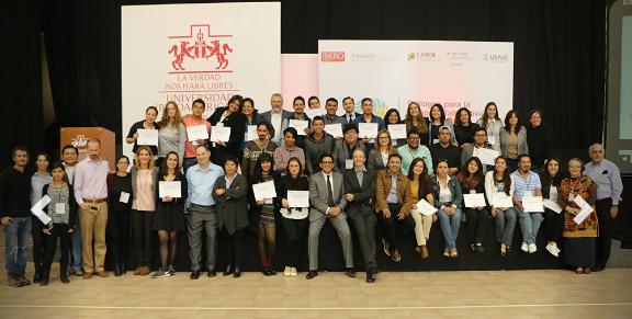 Alumnos de la Ibero exponen proyectos para comunidades en riesgo
